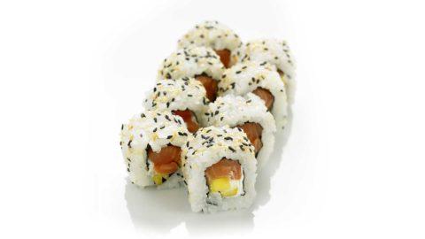 Ura Maki - Laks med kremost og mango Sushi